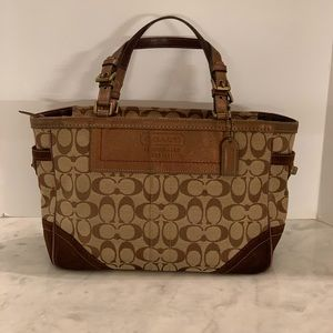Coach Signature Gallery Leather Tote